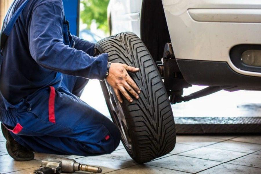 garage-changing-wheels